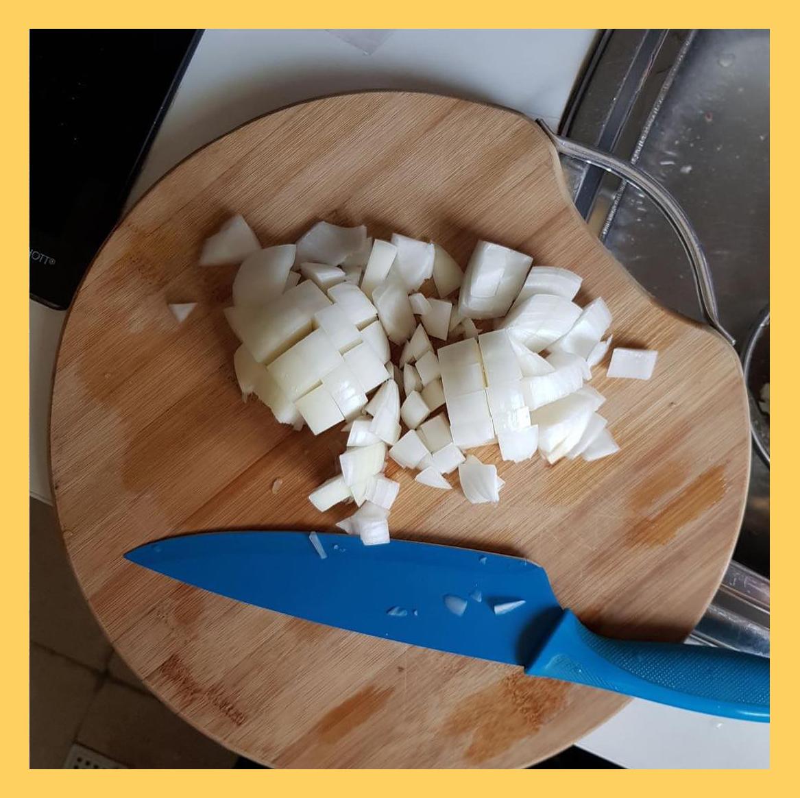 chopped onion, پیاز خرد شده