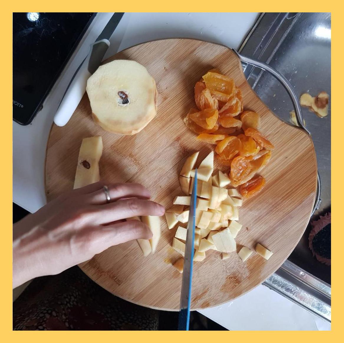 chopped qqince & apricot ,به خرد شده و زردآلو