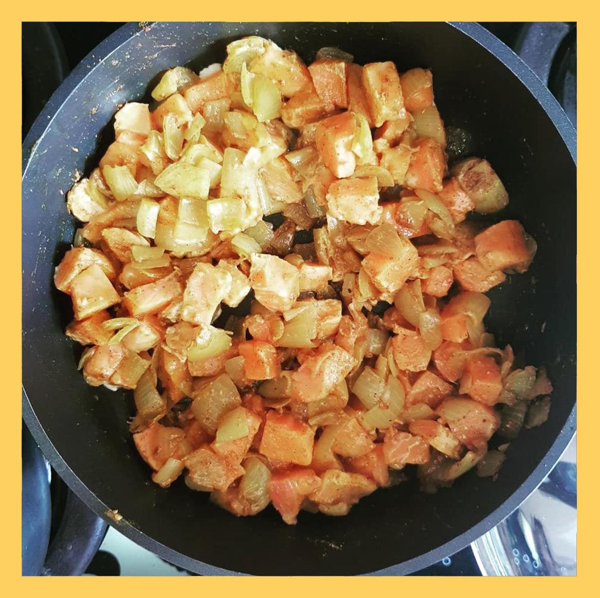 onion & rice & apices , پیاز و ماهی و ادویه
